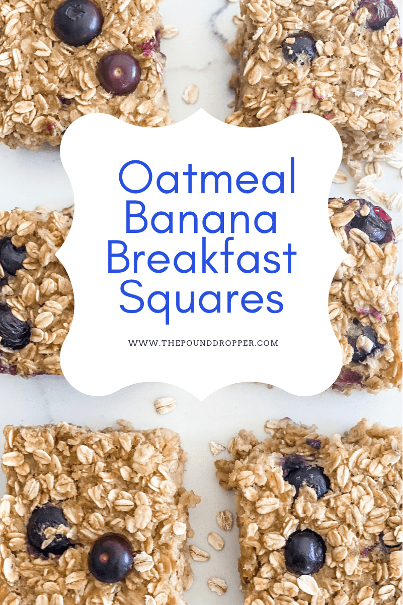 These Oatmeal Banana Breakfast Squaresare made with no flour, oil, or refined sugar-which means they are just about as healthy as your morning bowl of oatmeal!! Simple to make, family friendly, and perfect for meal prep! via @pounddropper